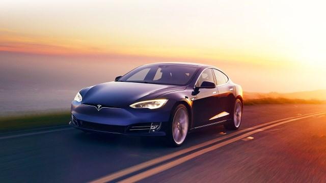 Noleggio a lungo termine Tesla Model S